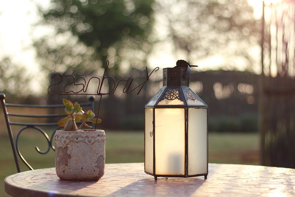 Záhradný lampáš